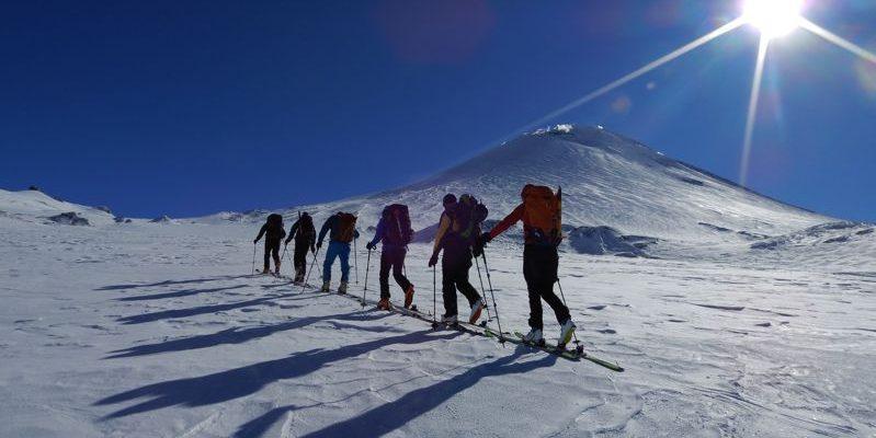 Hohenbergsteigen Skitour Kamtschatka 00
